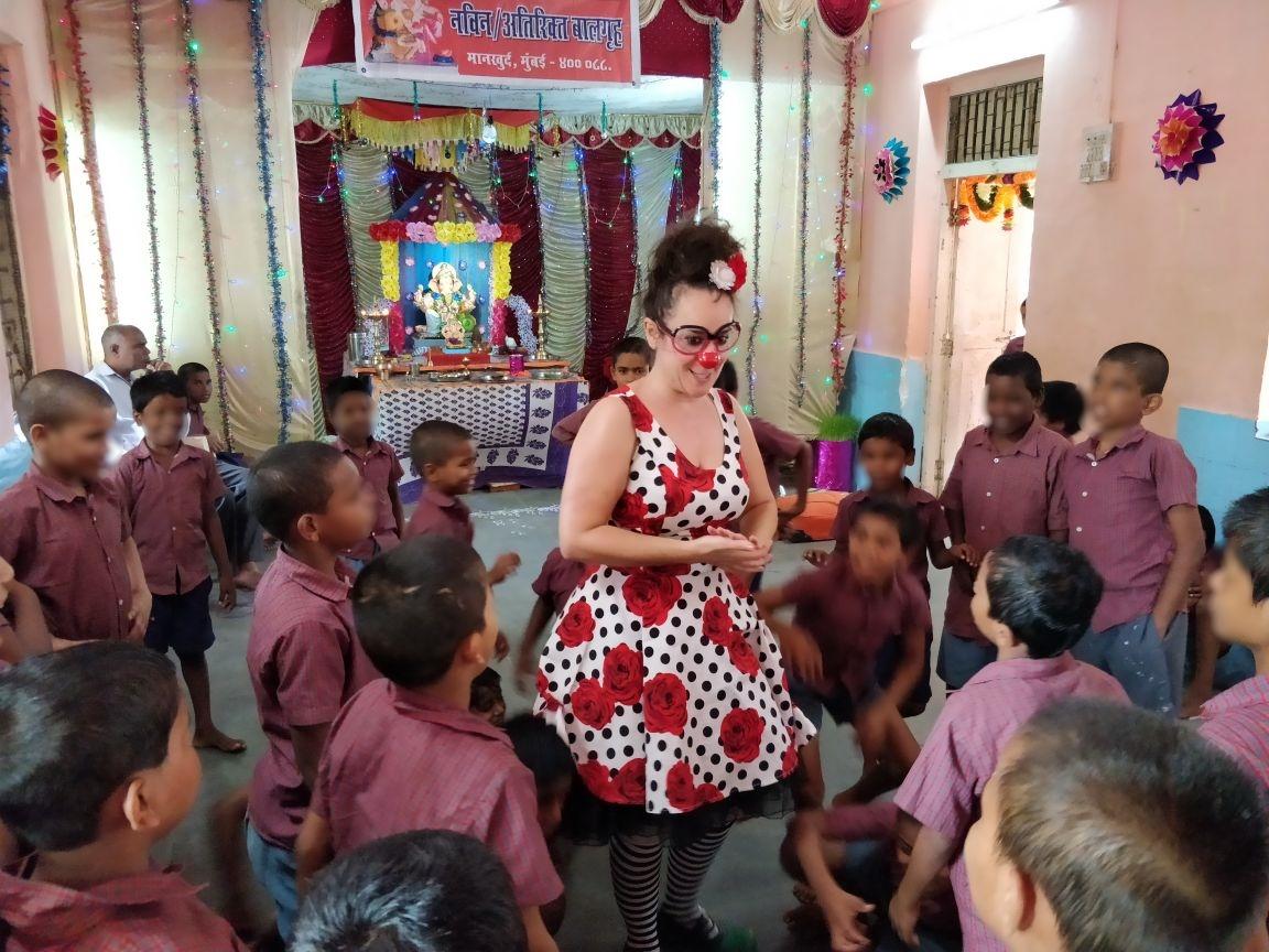 anjeze - kids having fun with clown6